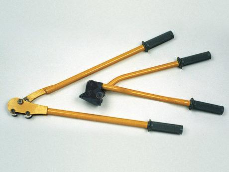 Ręczne urządzenia do pakowania taśmą stalową z połączeniem spinkowym
